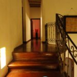 Hall Way to Bedrooms & Studio / Pasillo a las Habitaciones y Estudio